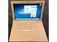 apple laptop MacBook 2009 white 4gb ram 160Gb HDD Lion free carry case