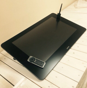 WACOM Cintiq 27 QHD *OR BEST OFFER*