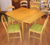 Retro 1950's Country Cottage Style Wood Dropleaf Table + 6 Chair