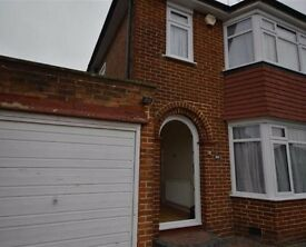 Beautiful 3 house in Stanmore with a large garden