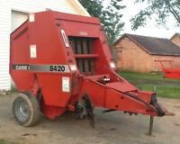 8420 Case International Round Baler