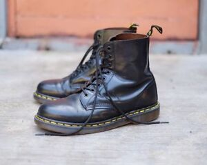 Dr Marten - 1460 8 eye Leather Boots ( Size 10 Mens )