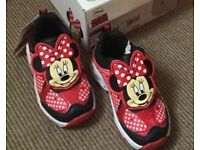 Minnie Mouse light up trainers,child sizes 5,,7,,13