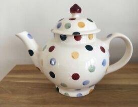Brand new Emma Bridgewater polka dot 4 mug teapot