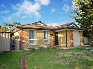 2 ROOMS for RENT, MOANA, electricity included Moana Morphett Vale Area Preview