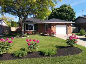 Beautiful Home for rent in Kingsville On