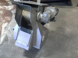 distributeur de stainless avec convoyeur  moteur variable