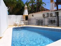 Albufeira holidays - townhouse 2 bedrooms, pool, AC, wi-fi, walk to beach, night life