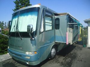2001 Newmar Mountain Aire 40' Diesel Pusher Motorhome