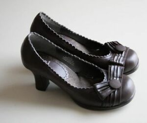Brown high heel shoes, size 7 (brand new)