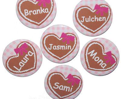 it Namen Button Gastgeschenk ab 5 Stück personalisiert Set (Oktoberfest Buttons)