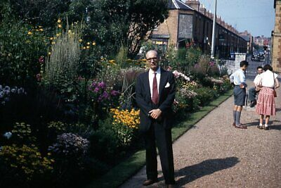 1950s Mens Suits & Sport Coats   50s Suits & Blazers 35mm Slide 1950s Red Border Kodachrome Man in Suit by Public Garden $19.99 AT vintagedancer.com