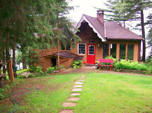 BOOTH LANE - 3 Bedroom Waterfront Cottage! JULY 2nd-9th AVAIL!