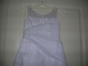girl's white full-length dress Oakville / Halton Region Toronto (GTA) image 2