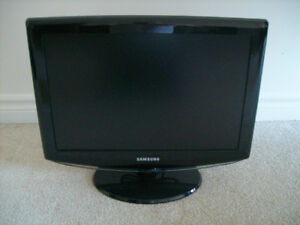 Samsung LCD Television/Monitor - Mint Condition!