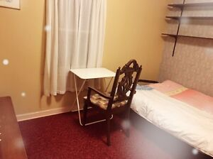Nice rooms with amazing washroom for short term rental