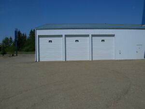 LARGE STORAGE BAYS FOR RENT
