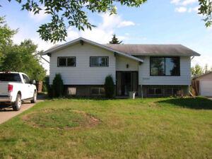 Great 3 Bedroom Mainfloor house for rent in Fort Saskatchewan