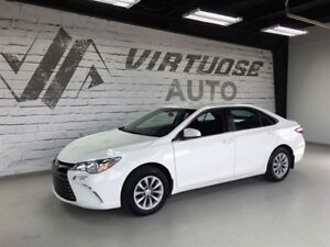 Toyota Camry LE Bas Millage  2017