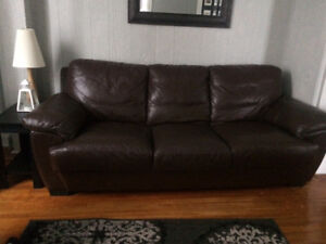 High quality brown leather couch (good used condition)