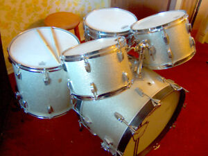 1965/66 Ludwig Classic Kit -Bass/Floor/Tom/Tom/Snare/Stand/Pedal