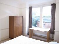 Double room in Churchfield Road opposeit Acton Central Station £570 PCM AVAILABELE NOW!!!!