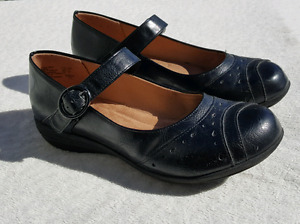 Comfort Plus Mary Janes Work shoes 6.5W