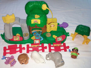 Fisher Price Little People Animal Sounds Zoo & Book London Ontario image 2