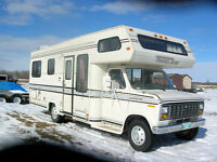 1987 27' FORD TRAVELAIRE MOTOR HOME