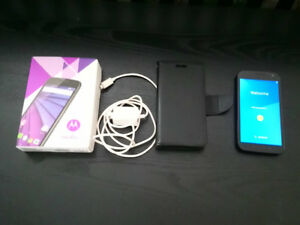 Motrola Moto G 3rd Gen - original box, charger & phone case