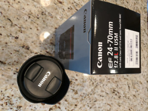 Canon EF 24-70 mm F 2.8 L II USM Like New with Warranty