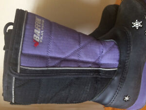 Kids Size 2 Baffin Winter Boots