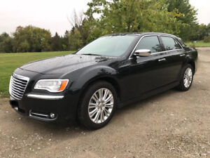 2014 Chrysler 300C AWD with V8 - AS NEW CONDITION!!
