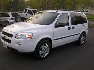 2008 Chevrolet Uplander LT Minivan, Van