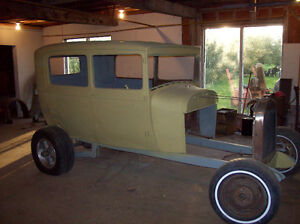 1929 FORD 2 DOOR SEDAN - STREET ROD