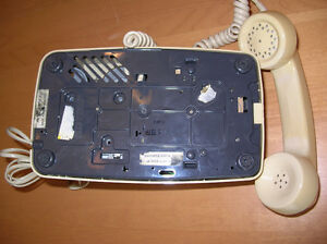 Vintage GTE Rotary  Telephone white beige 1978 Gatineau Ottawa / Gatineau Area image 3