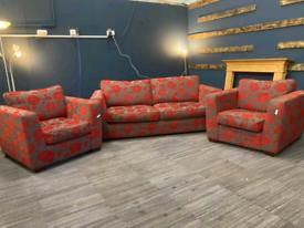 Pattern modern 3 piece suite