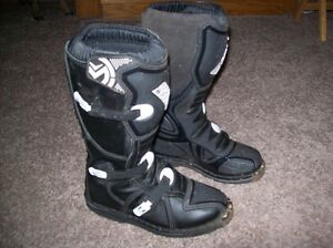 Youth Riding Boots Size 4