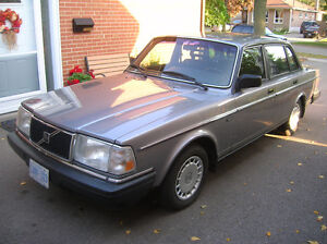 1989 VOLVO 240 DL, Low KM, SHOWROOM Condition, Cert/Etested!