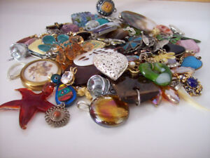 HUGE LOT OF PENDANTS FOR CRAFTERS - JEWELERY MAKERS