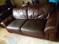 Large Brown Leather Sofa: Sette