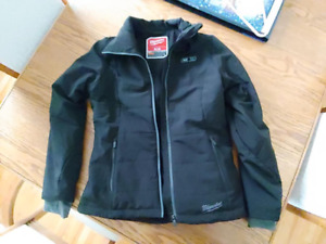 WOMENS HEATED MILWAWAUKEE JACKET