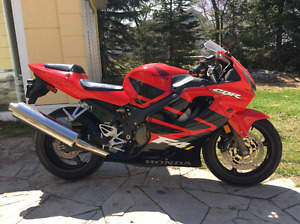 2002 CBR600 F4i in Excellent Condition
