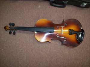 VIOLIN CORELLI WITH CASE