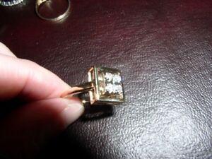 Bague or 10K avec diamants