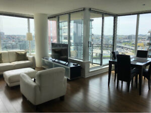Luxury water view unit in core Yaletown