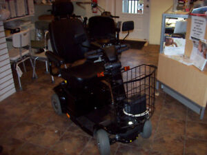 SCOOTER-USED-PRIDE CELEBRITY RS