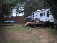 31ft.Hideout Travel Trailer, Queen bed and 4 bunks