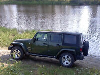 2008 Jeep Wrangler Unlimited Sahara Leather, 2 Tops! LOW KMs!