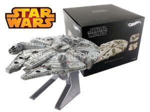 DIECAST HotWheels Elite Millenium Falcon Starship Star Wars